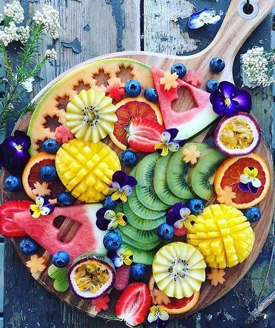 tacka z owocami